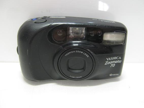 No Estado Câmera Yashica Zoomate 70