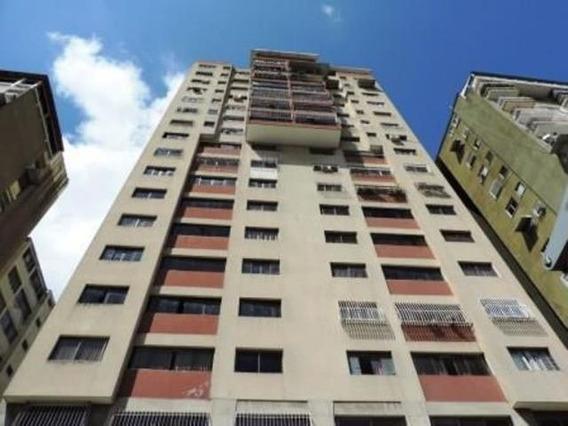 19-17630 Apartamento En Venta