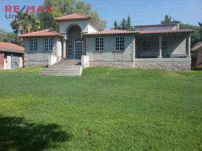 Casa En Venta, Tipo Campestre, Muy Amplia Y Cercana A Edén Los Sabinos