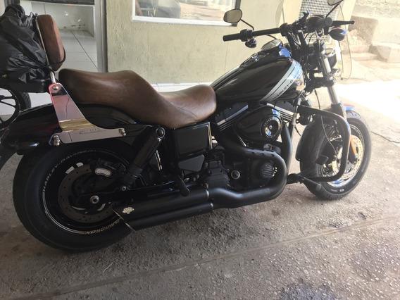 Harley Fat Bob / Equipada