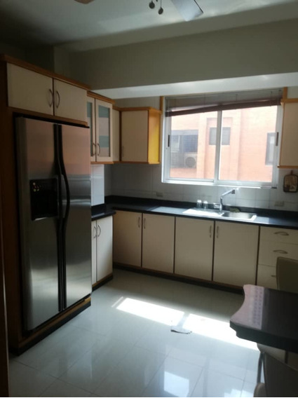 Alquiler De Apartamento En Urb. El Bosque 04243745301