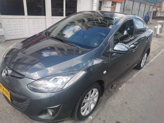 Mazda 2 Mecanico Sedan En Perfecto Estado