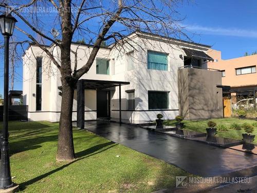 Casa Con Pileta - Santa Catalina - Tigre