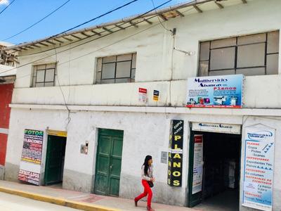 Casa De 4 Dormitorios Con 2 Locales Comerciales