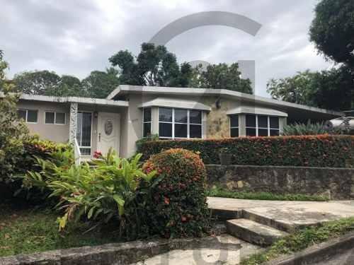 Casa Residencial De 1 Nivel En Venta, Col. Petrolera, Tampico, Tamaulipas.