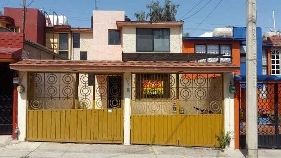 Casa De 4 Recamaras Y 1 Baño