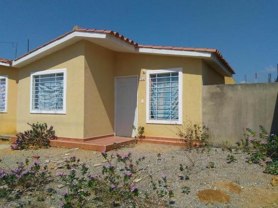 Disponible Casa En Alquiler Barquisimeto 20-6236