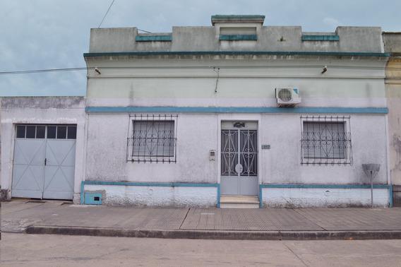 Botinelli Entre Puig Y Varela, Casa 3 Dormitorios Y Garaje.