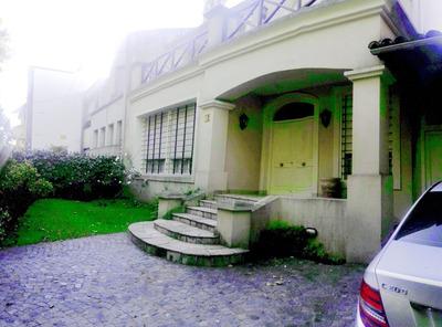 Hermosa Casa Sobre Importante Lote En El Corazon De Martinez