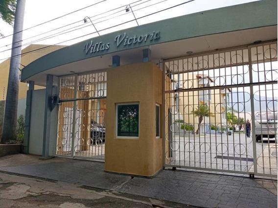 Townhouses En Venta 0424 3388912 / Urb Cantarrana