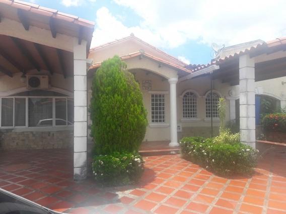 Se Vende Casa En Urb Valle De Luna Tipuro