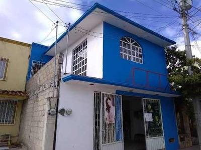 Venta De Casa En El Poniente Sur De La Ciudad