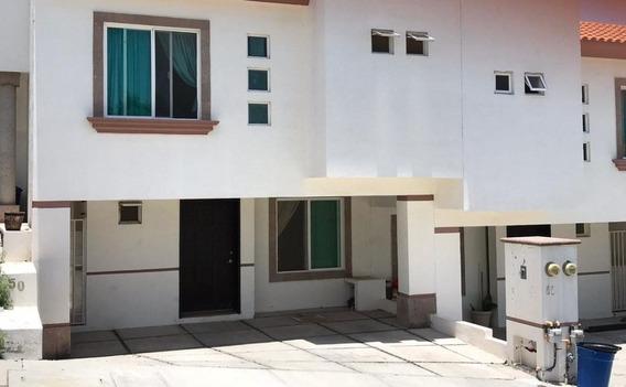 Se Renta Casa En Condominio En El Refugio