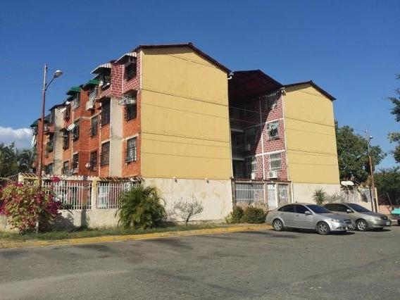 Apartamento En Venta Madre Maria Maracay 20-9623 Ejc