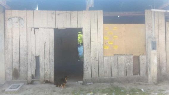 Casa De Material Rustico