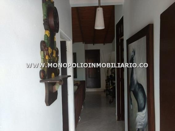 Agradable Casa Bifamiliar Venta Caldas Cod: 17490