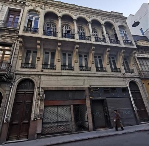 Imperdible Edificio En El Corazón De Ciudad Vieja