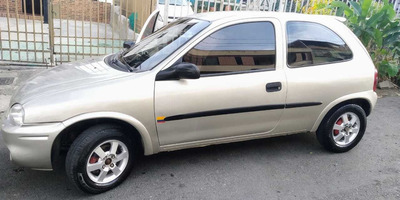 Hermoso Chevrolet Corsa @ctive 1.400cc Modelo 2003 Full
