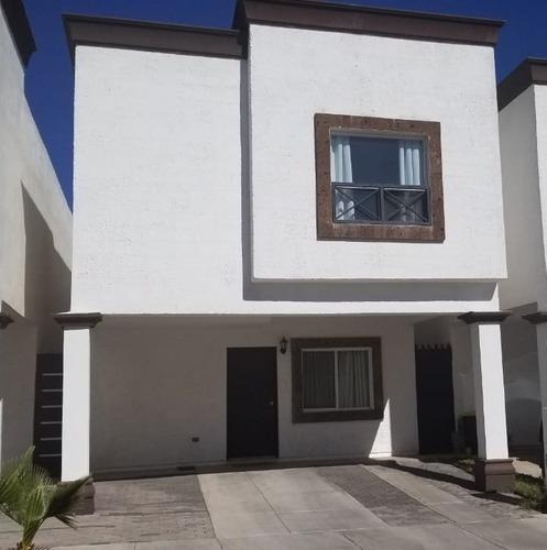 Casa Semi Nueva En Fraccionamiento Privado, En Zona De Alta Plusvalía.