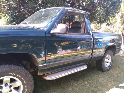 Chevrolet Silverado D20 2001