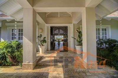Lujosa Villa De Venta En Punta Cana, Epv-104