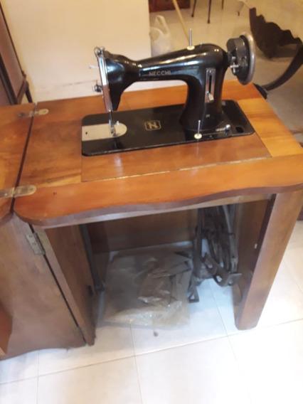 Maquina De Coser Necchi Antigua Con Mueble De Estilo