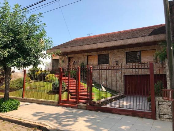 Chalet En Venta En Villa Sarmiento Residencial