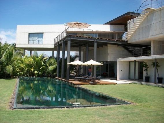 Tres Vidas, Casa Minimalista En Campo De Golf Y Playa, 4 Recamaras.