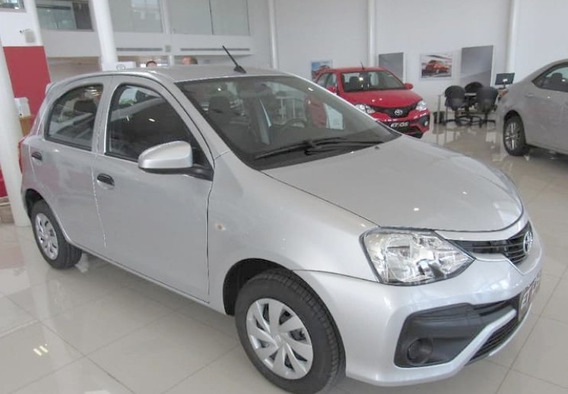 Toyota Etios // Xls 5p 2020