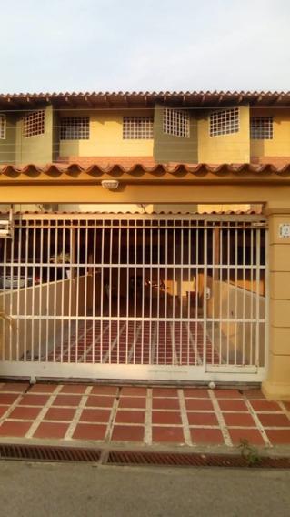 Townhouse Conjunto Residencial Jet Set, Nueva Barcelona