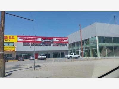 Local Comercial En Renta Frente A Galerias Del Valle