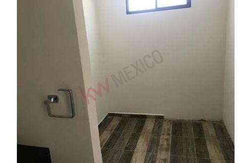 Casa En Venta Al Norte En Ramos Arizpe, Con Excelente Ubicación
