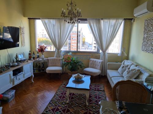 Vende Apartamento 2 Dormitorios - Cordón Sur - Piso 8 Frente