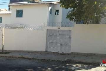 Casa Geminada 2 Quartos Churrasqueira 1 Vaga De Garagem - 2330