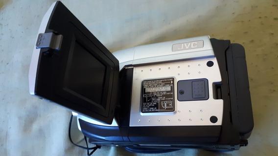 Filmadora Digital + Câmera Digital.