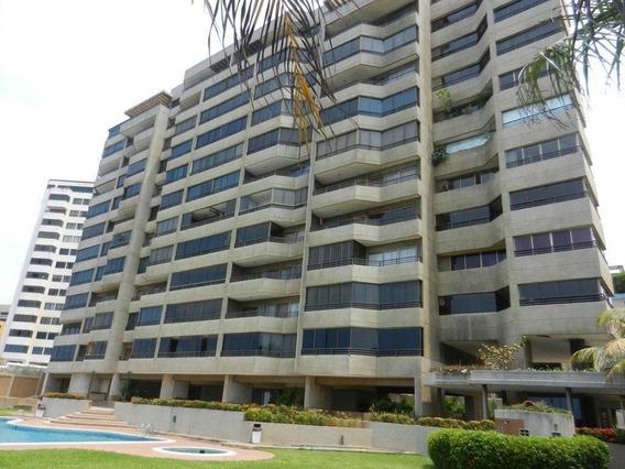 Apartamento En Playa Grande Con Vista Al Mar. 04142250913