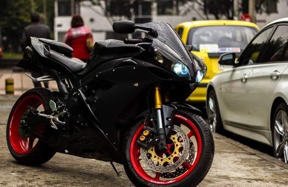 Yamaha R1 Super Biker