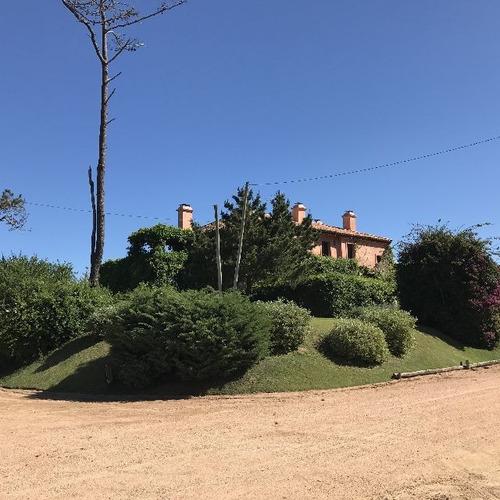 Casas En Venta 4 Dormitorios  Montoya Punta Del Este - Dl966