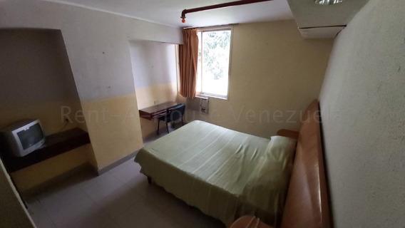 Hotel En Altamira En Venta 20-8898