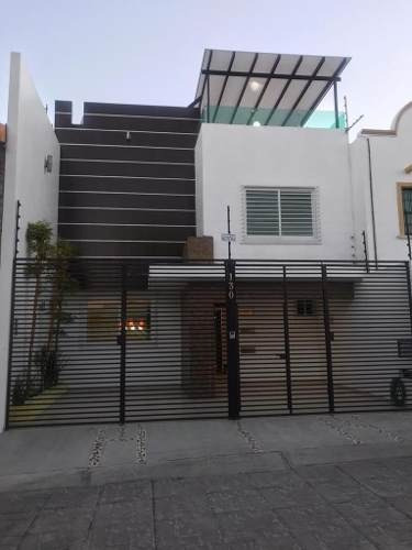 Excelente Casa En Portezuelo, Tres Niveles, Equipada