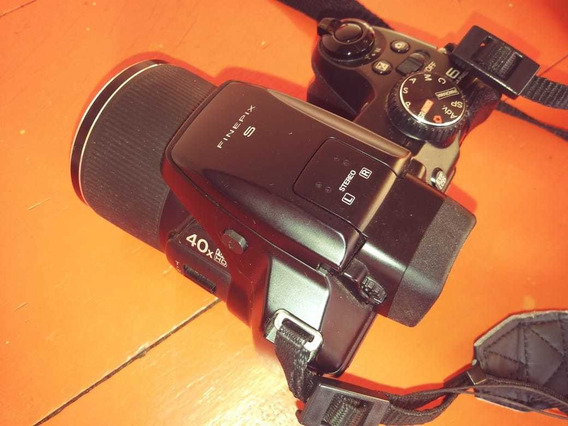 Câmera Fuji Finepix S8200