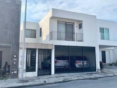 Venta De Casa En Rincón De Las Huertas, Santa Catarina
