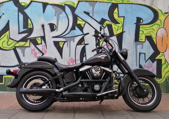 Harley Softail Classic Negra