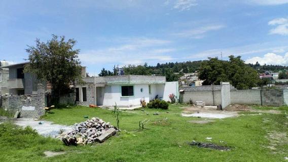 Casa Céntrica, Amplio Terreno Todo Bardeado, Con Cisterna.