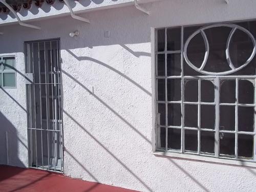 Alquiler De Casa 2 Dormitoriios Cerrito De La Victoria