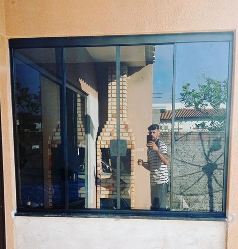 Imagem 1 de 1 de Janela De Vidro 8mm Fumê Com Fechadura E Kit Alumínio .