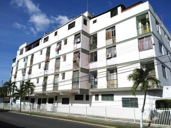 Apartamento En Venta Parroquia Concepcion 19-16305