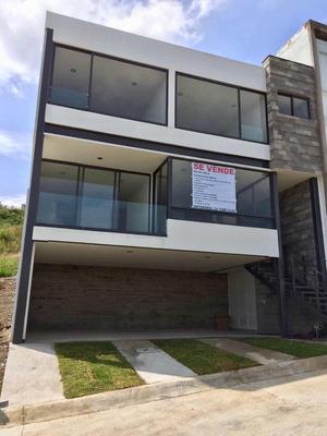 Casa En Venta En Condominio La Vista