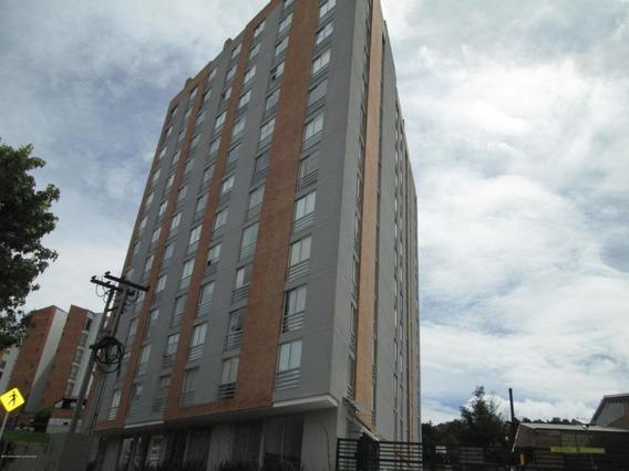 Mls# 19-1153 Venta Moderno Apartamento Gramira (av)