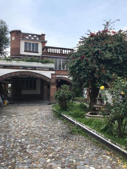 Casa En Venta En La Colonia Del Carmen En El Corazón De Coyoacán